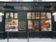 <span>Table</span> Schwartz's ou de fabuleux burgers