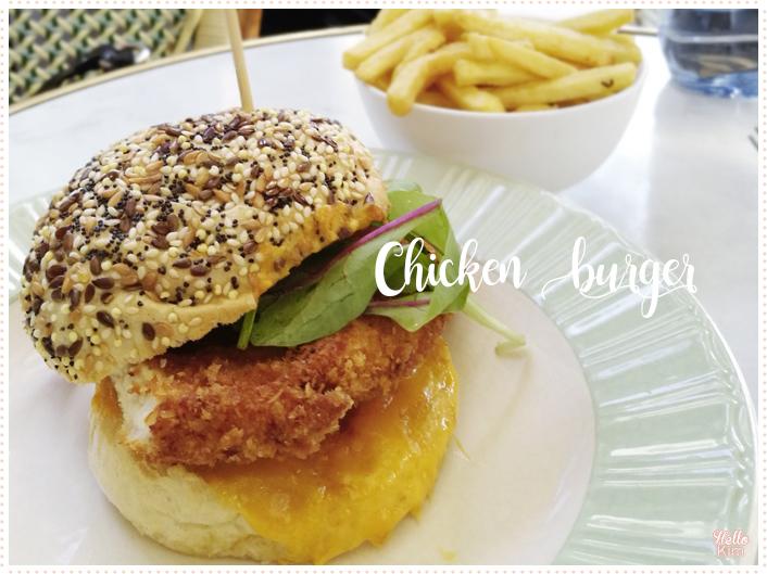 Le-buffet-de-la-gare_Chicken-burger_201707_Hellokim