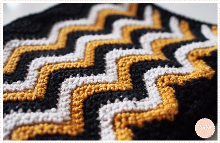 hellokim_crochet_pochette_chevrons_zippe_08