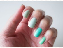<span>Nail art</span> Five shades of green