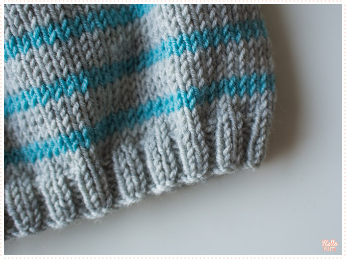 tricot-layette_bonnet-a-oreilles_rayures-bleu-gris_hellokim2