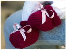 <span>Tricot layette</span> Les chaussons en point mousse pour Valentine