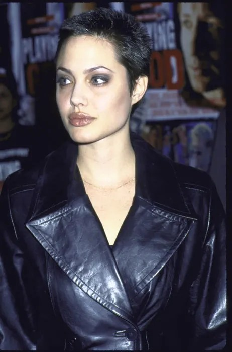 Skinhead Girl Wallpaper Angelina Jolie Says She Is Lucky To Have Survived Her Wild