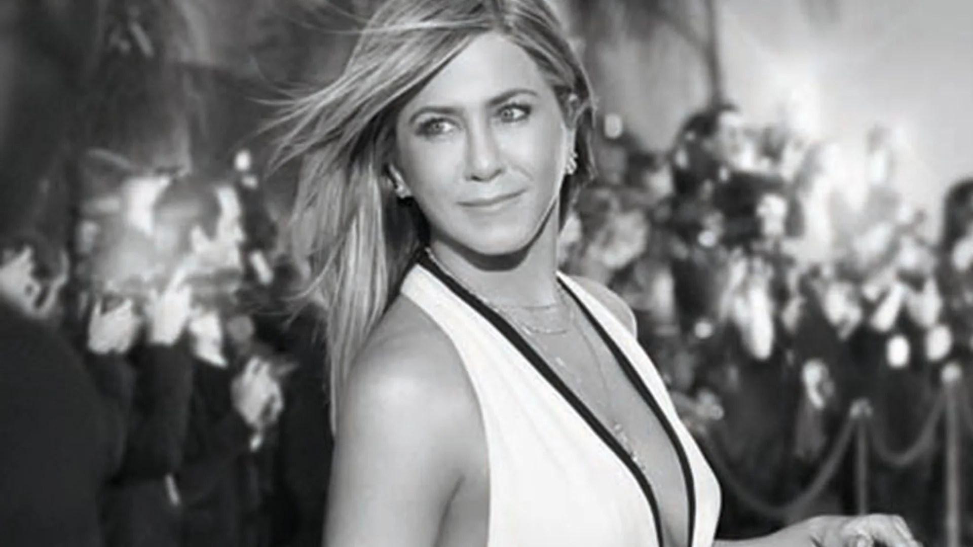 Fitness Girl Wallpaper 1920x1080 Jennifer Aniston Looks Flawless In Striking New Campaign