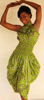 Vrolijke groene jurk met print