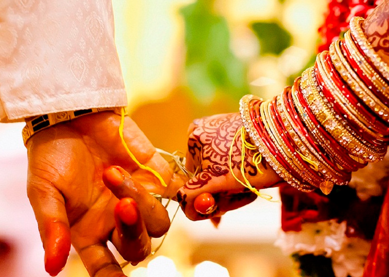 Cute Couple Holding Hand Wallpaper 11 Traditions To Know About Tamil Brahmin Wedding