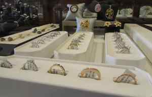 Herkner Estate Jewelry case d