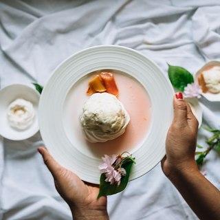 Four Petal Flower | Rhubarb ice cream meringues