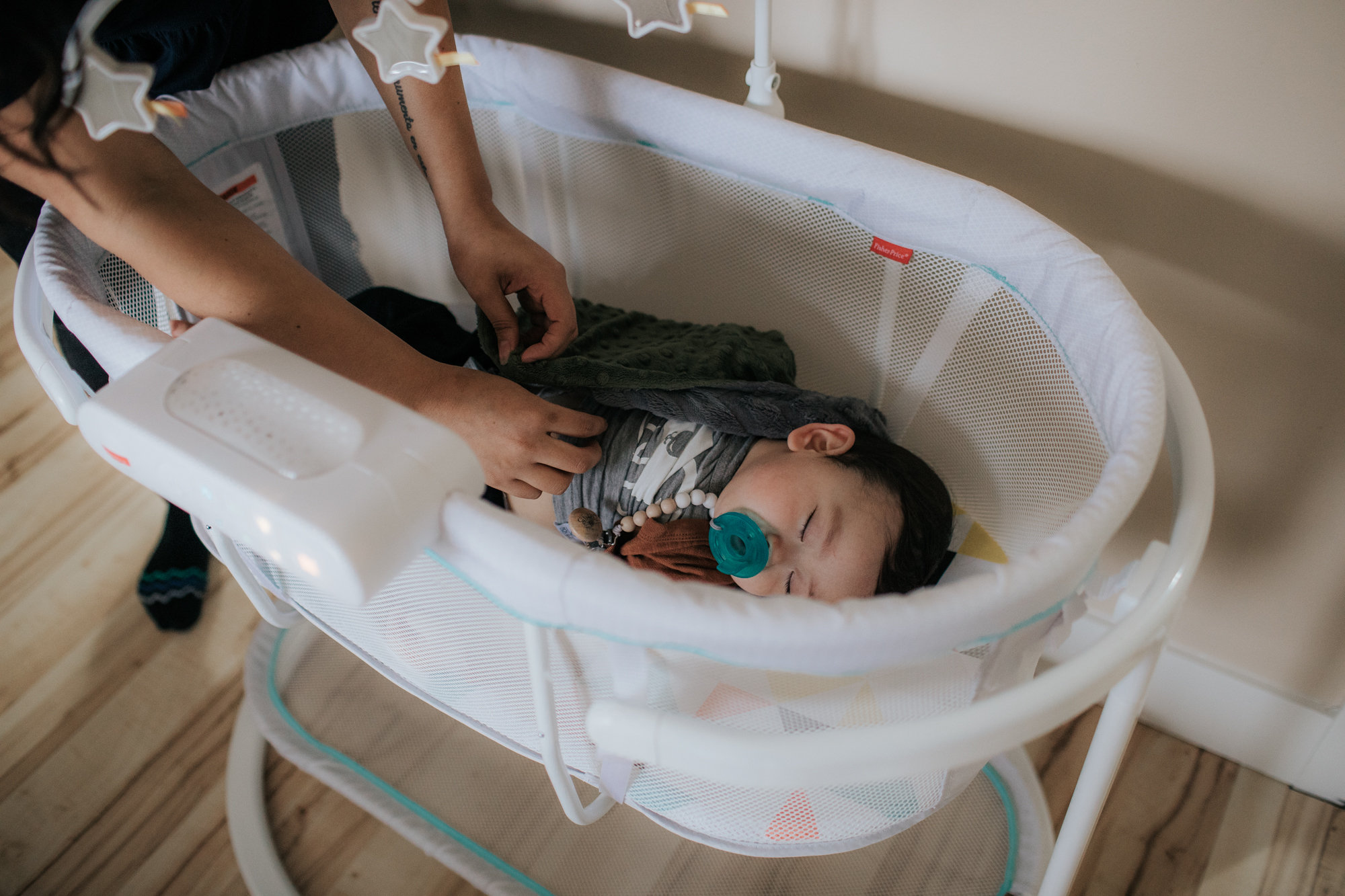 Innovative Motions Bassinet Get Some Register Sleep Motions Fisher Price Bassinet Replacement Parts Fisher Price Bassinet Wooden baby Fisher Price Bassinet