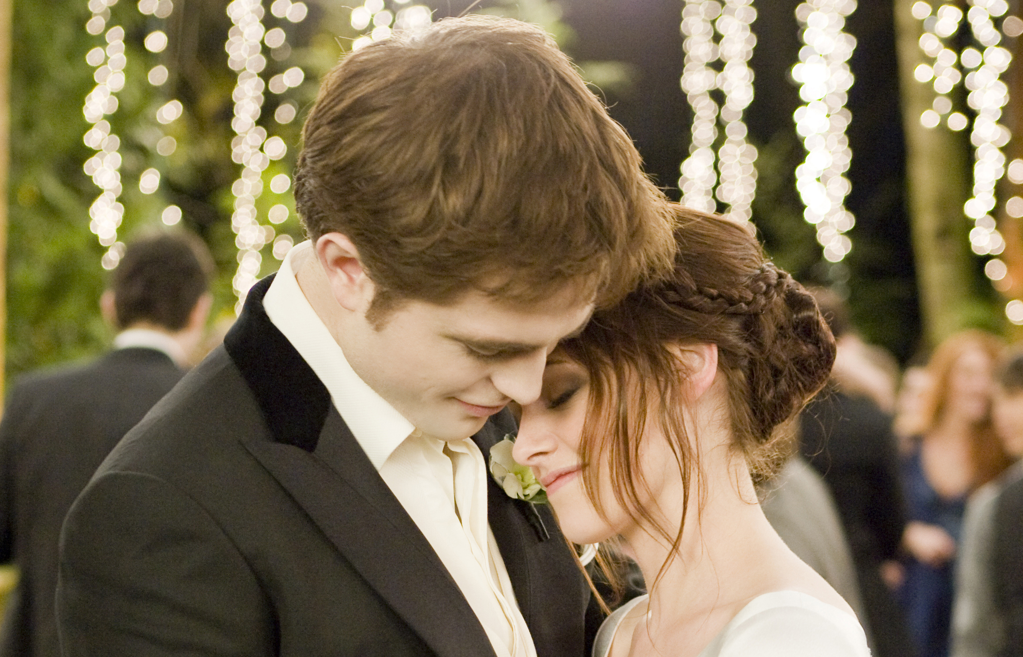 Four New Wedding Scene Images from Twilight Breaking Dawn Part 1