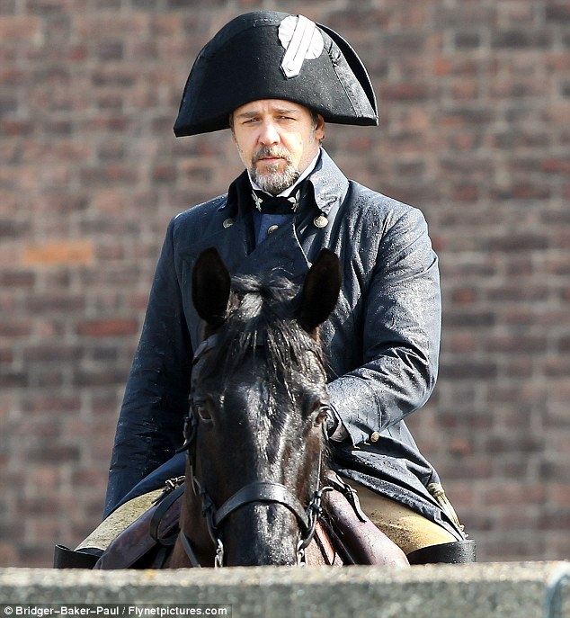First Look at Russell Crowe in Les Misérables