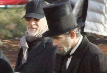 Spielberg Lincoln 220x150 Top 10 Oscar Contenders to Watch This Year