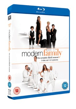 Modern Family 1 Win Modern Family Season 3 on Blu ray