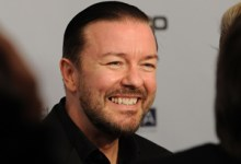 Ricky Gervais 220x150 Ricky Gervais in talks to lead The Muppets 2