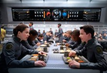 Hailee Steinfeld and Asa Butterfield in Enders Game 220x150 First Look Image: Hailee Steinfeld in Enders Game