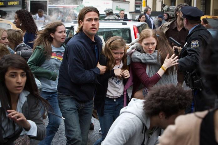Brad-Pitt-Abigail-Hargrove-Mireille-Enos-and-Sterling-Jerins-in-World-War-Z