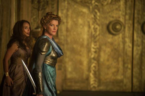 Natalie Portman and Rene Russo in Thor The Dark World 585x389 New Image of Natalie Portman & Rene Russo in Thor: The Dark World