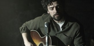 Oscar-Isaac-in-Inside-Llewyn-Davis