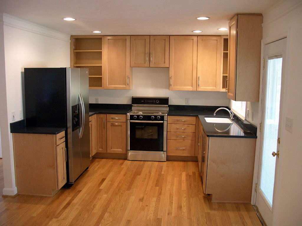 beautiful small kitchen design ideas featured wooden kitchen cabinets and wooden floor