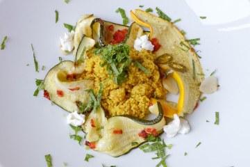 Gegrillte Zucchini mit Couscous