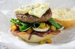 winter-burger-essen-von-au