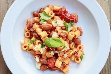 maccaroni-mit-borlotti-bohnen-und-tomatensauce
