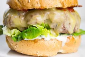 bagel-cheeseburger