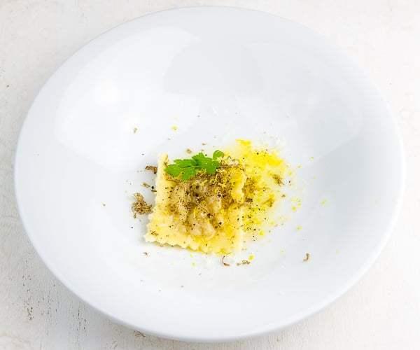 eigelb-ravioli-trueffel-butter-parmesan_thumb