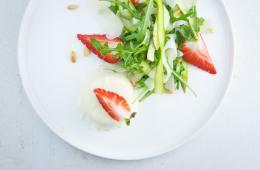 zweierlei-vom-spargel-erdbeeren-rucola-2