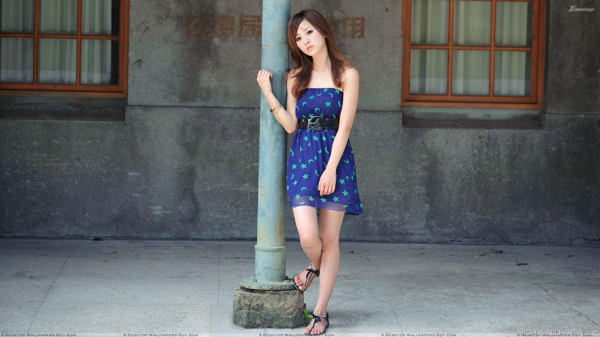 Lonely Girl Hd Wallpapers 1080p Sweet Asian Girl Lonely Pose With Piller In Blue Dress Hd