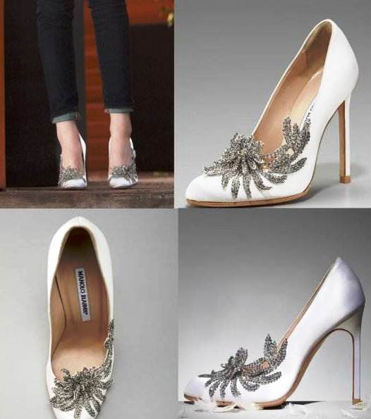 The Swan Pump.  Photo courtesy of http://kstewartnews.com/2011/11/21/manolo-blahnik-neiman-marcus-introduce-the-swan-pump/