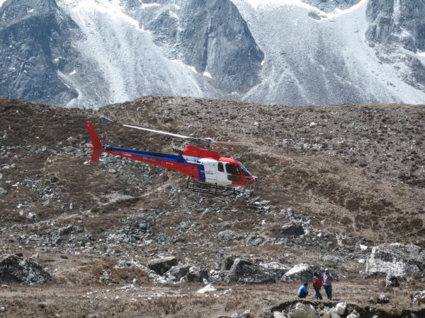 Kanchenjunga Round Trek with Heli