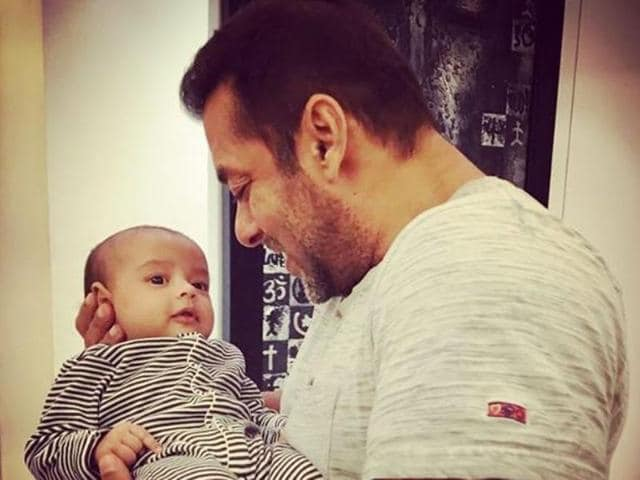 Cute Adorable Wallpapers Arpita Posts Cute Pictures Of Salman Khan With Nephew Ahil