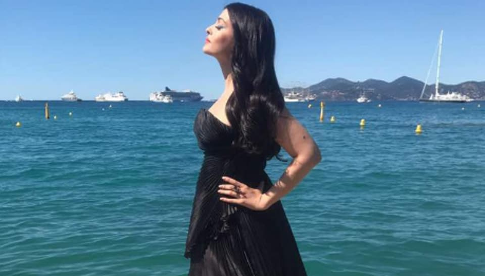 Cannes 2017 aishwarya rai spreads her wings in off