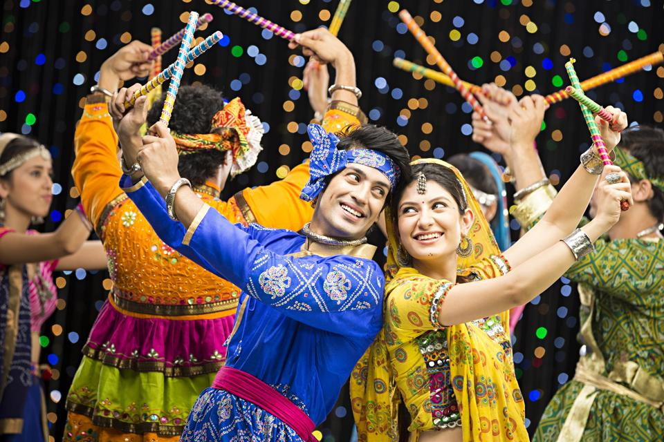 Mumbai City Wallpaper Hd Navratri 2017 Get Set To Groove To Dandiya Beats In Delhi
