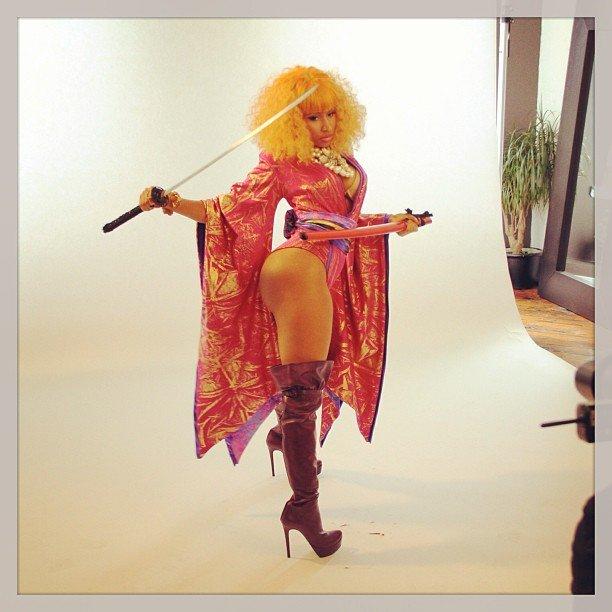 Nicki minaj booty remix - 3 2