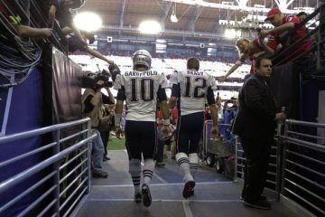 garoppolo-brady-hip-hop-sports-report