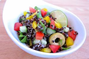 1-minute Peruvian Black Quinoa Salad