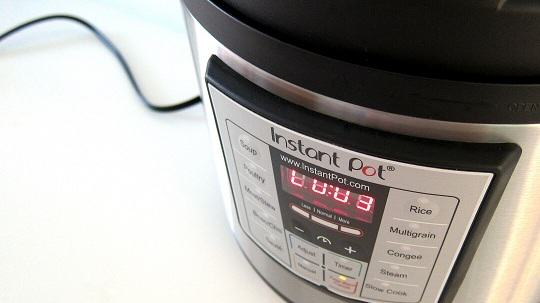 Instant Pot Electric Pressure Cooker Review