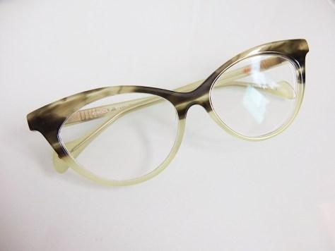 Glasses 780