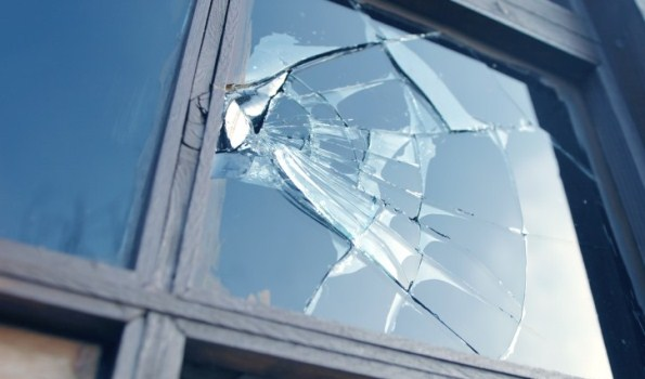 How To Fix A Broken Window And Its Screen | Hirerush Blog