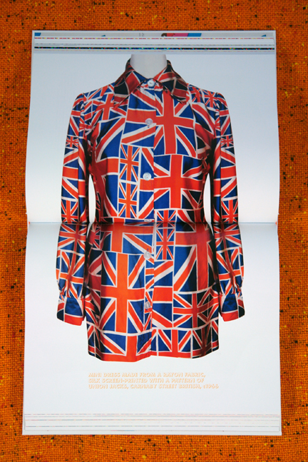 vintage long-sleeved mini-dress in Union Jack fabric