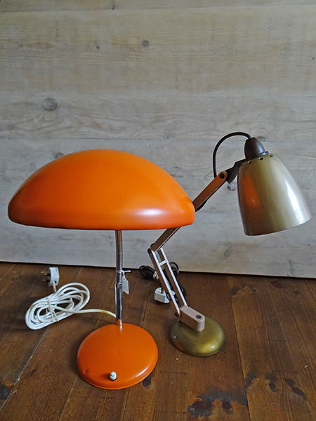 pair of vintage desk lamps via @hisforhome
