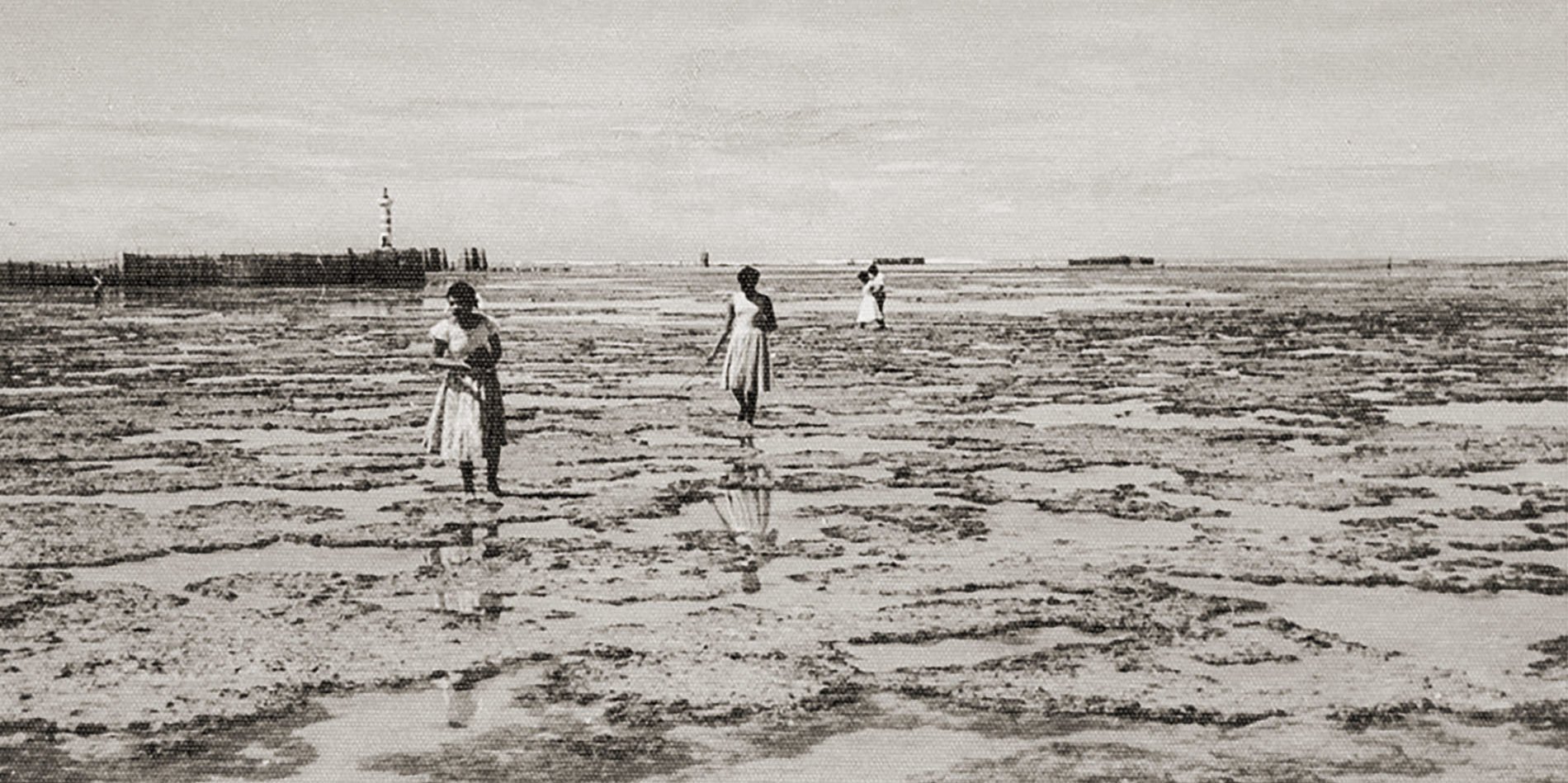 Praia de Ponta Verde nos anos 50, com o farol ao fundo