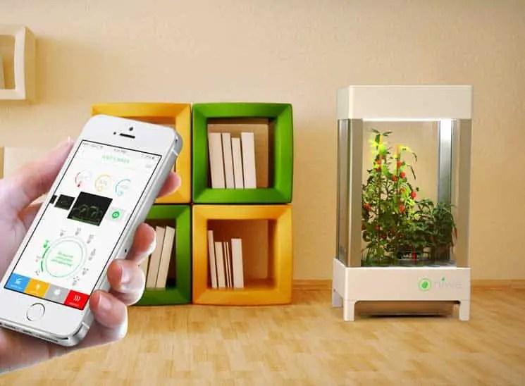 Niwa smartphone controlled hydroponics system