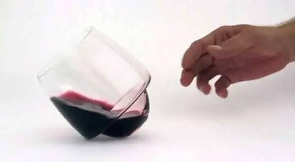 Saturn-'spill-proof'-wine-glass-by-Super-Duper-Studio