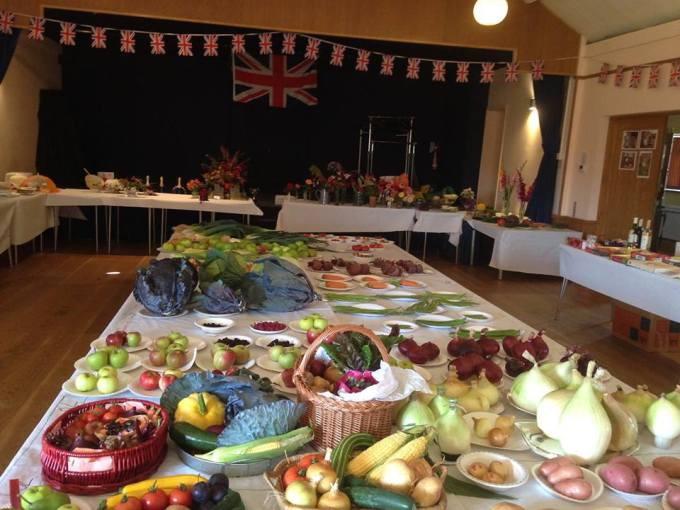Flower and vegetable show : Scarecrow competition