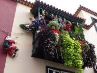 "Bild ""Balkon mit Weihnachtsdeko"" zu Altstadt Santa Cruz de ..."