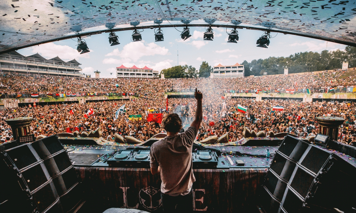 Wallpaper Hd Om Tomorrowland Festival 2018 Holidayguru Nl