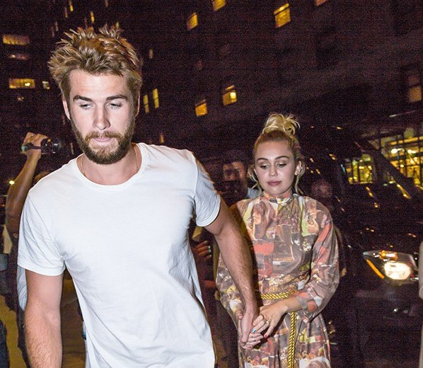 liam-hemsworth-miley-cyrus-hold-hands-nyc-ftr